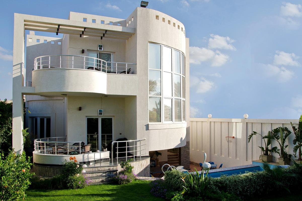 <strong>Villa Elwaha Elkhadra<span><b>in</b>Villas  </span></strong><i>→</i>